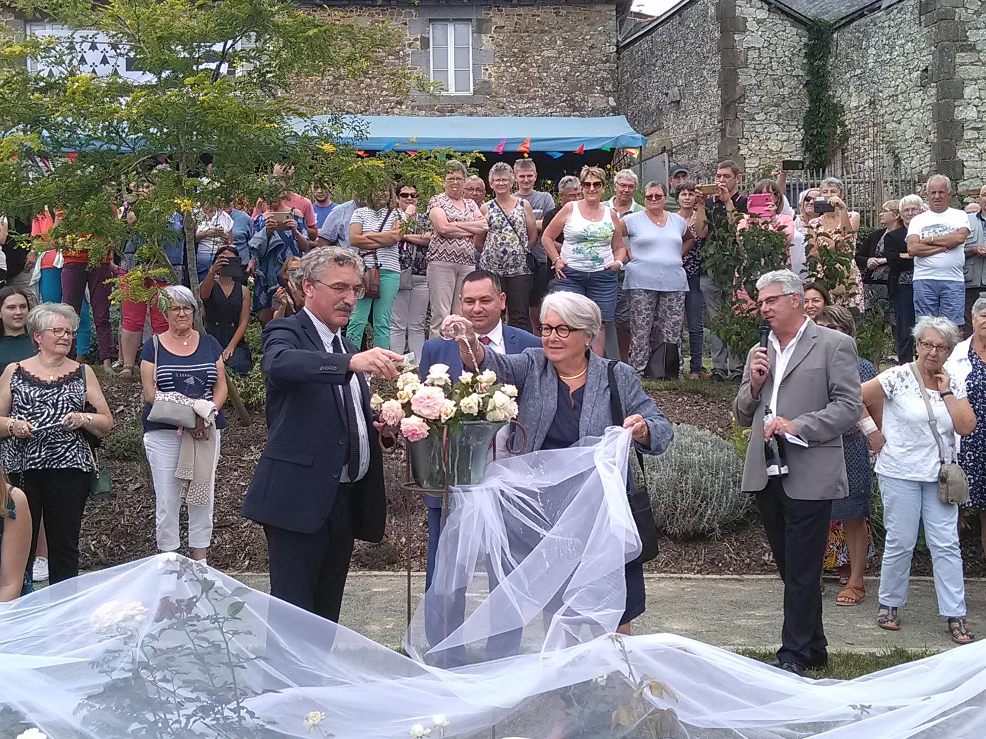 Baptême de la rose : Rosières de France